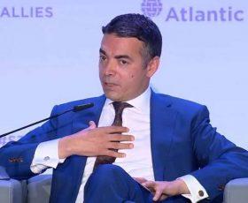 Димитров на прашањето за Мухиќ: Ако не верувате во процесот за толку крупно прашање, чесно би било да се тргнете