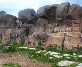 Во турските воздушни напади уништен древниот храм Аин Дара во Сирија