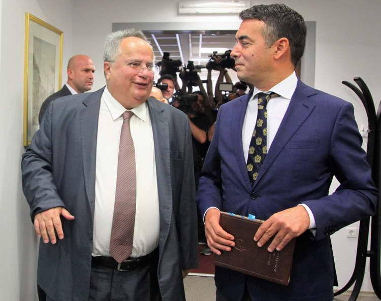 """Димитров и Коѕиас очекуваат """"иницијална рамка"""" за решавање на спорот за името"""