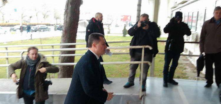 """Груевски задоцни на судењето за """"мерцедесот"""", адвокатот приговараше за """"свадбарските"""" камери"""