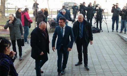 """Заев дојде на """"Поткуп"""", судењето одложено за 26 февруари, обвинителот бил на службен пат"""
