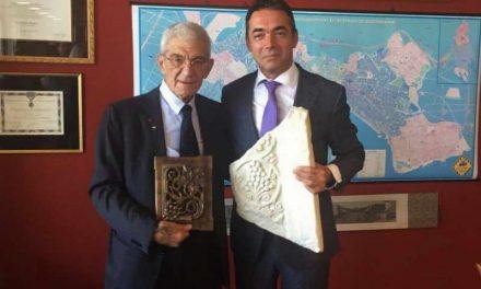Бутарис: Потпалувачките изјави и митинзите не треба да ги попречуваат преговорите