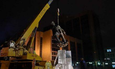 Шилегов: Споменикот на Ќосето не и е исплатен на леарницата, тој ќе биде доказ во судење
