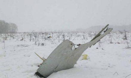 Загинаа 71 човек во несреќа на руски патнички авион во Москва