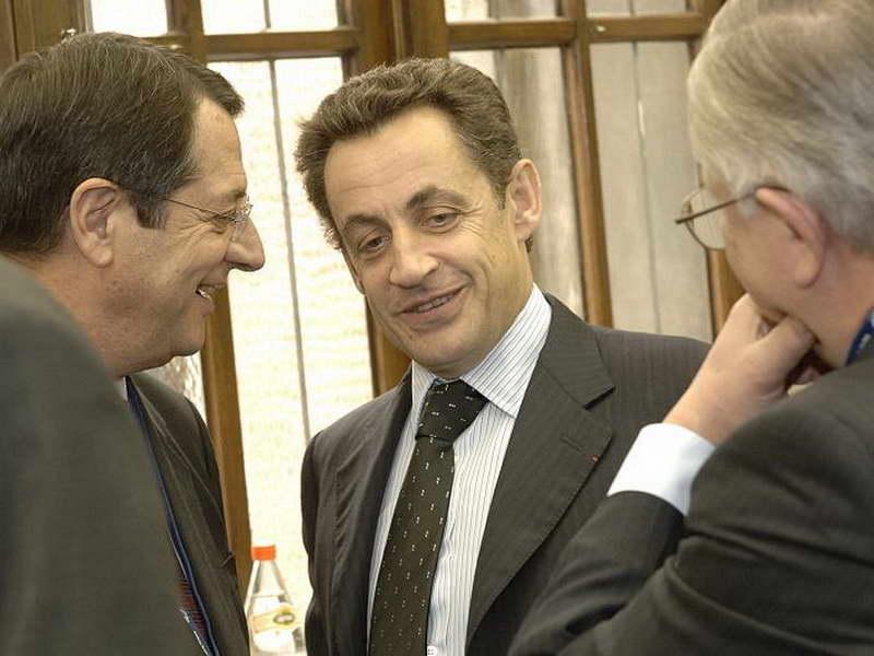 Никола Саркози приведен на распит поради парите од Гадафи