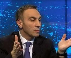 Груби ги обвини ВМРО-ДПМНЕ за лицемерие, го кажа датумот и саатот кога го прифатиле истиот текст на Законот за јазици