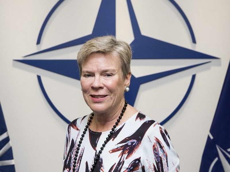 Готмелер: НАТО се надева на решение за името