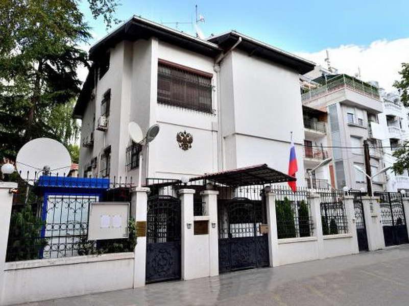Руска амбасада: Намерно или не, Заев е погрешно информиран