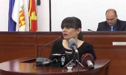 """Советничка од ВМРО-ДПМНЕ во Битола одбива да го врати службениот """"Ајфон"""""""