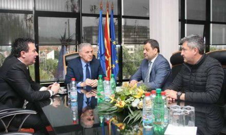 Средба на градоначалникот Јованоски со вицепремиерот Анѓушев и министерот Сугарески
