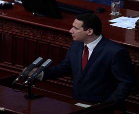 """Обвинувања за прекршени ветувања и """"кршење вратови"""" на интерпелацијата во Собранието"""