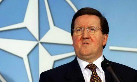 Поранешниот генерален секретар на НАТО, Џорџ Робертсон, денеска на прием кај Заев