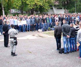 Решенија за вработување и договори за 1.159 полицајци и приправници