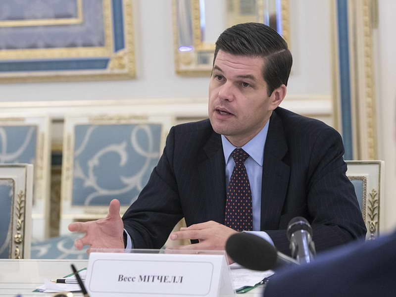Мичел: САД води тивка дипломатија за спорот за името