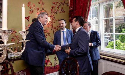 Заев во Лондон на средба со претставници на Охридската група