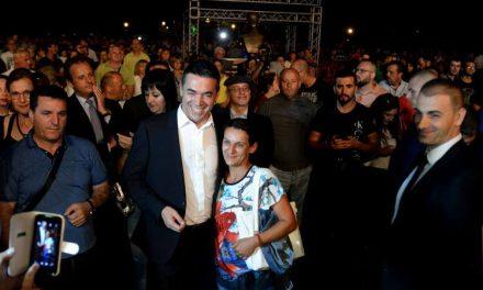 Димитров: Ги затворивме големите прашалници кои сме, Македонци