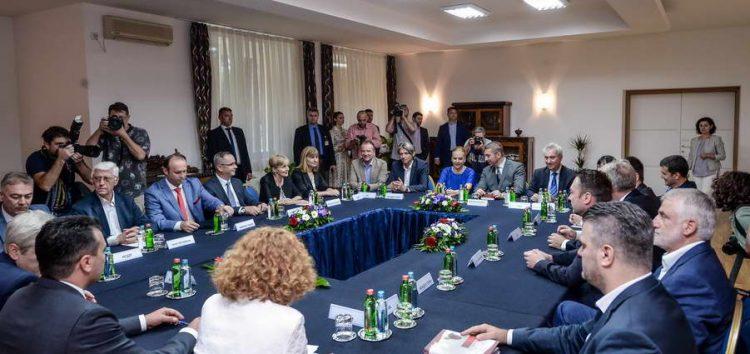 Заев: Сите кои останавме на лидерската средба сме за влез во НАТО и ЕУ и за успешен референдум