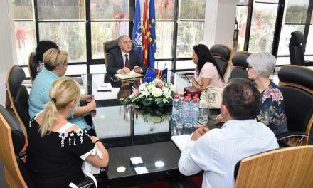 Градоначалникот Илија Јованоски оствари средба со семејствата на загинатите бранители