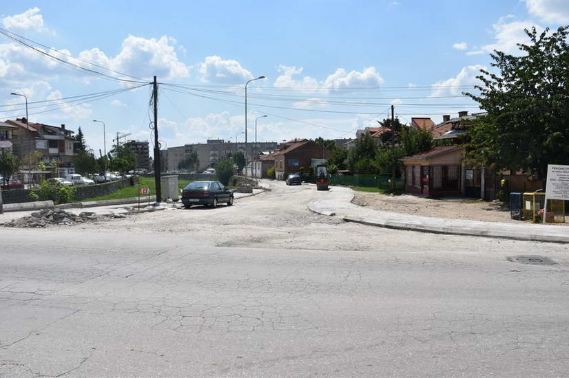 """Улицата """"Кеј 1-ви Мај"""" наскоро ќе биде асфалтирана"""