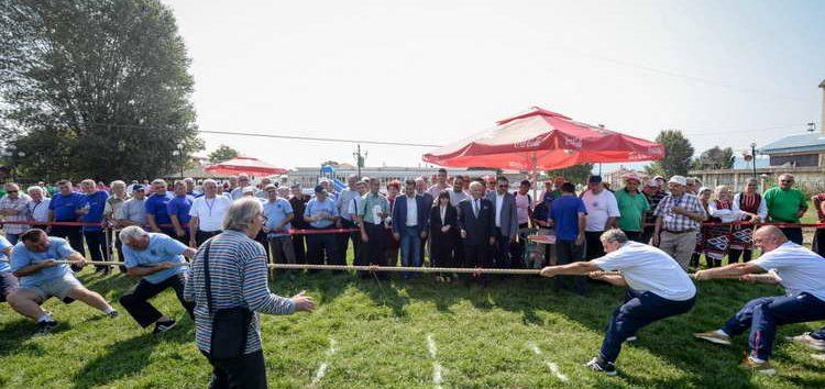 Заев и Царовска ги отворија пензионерските спортски игри во Радовиш