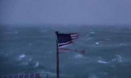 Ураганот Флоренс наближува до источниот брег на САД