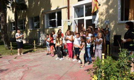 """Основците од од руралното училиште """"Страшо Пинџур"""" ќе учат во подобри услови"""