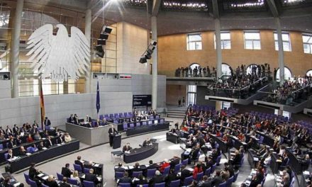 Бундестагот одобри почеток на преговорите за Македонија