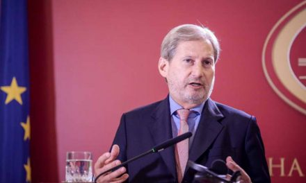 Хан: Не нови избори, туку градење двотретинско мнозинство во парламентот