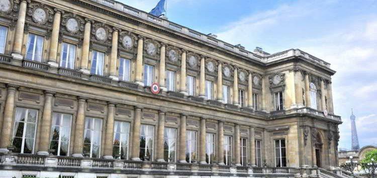 Собранието да се произнесе за уставните амандмани, велат од француското МНР