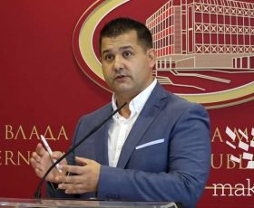 Прес на портпаролот на Владата, Миле Бошњаковски (видео)