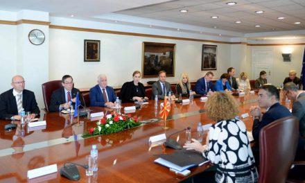 Брифинг во Владата со амбасадорите на земјите членки на НАТО, акредитирани во Република Македонија