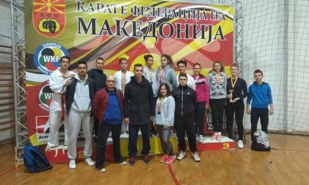 """12 медали за КК """"Бонсаи"""" на Државното првенство во карате"""