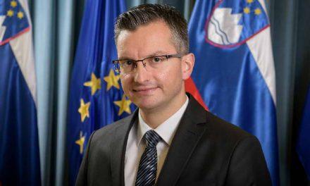 Словенечкиот премиер ги повика државните фирми да ги повлечат рекламите од медиуми што шират говор на омраза
