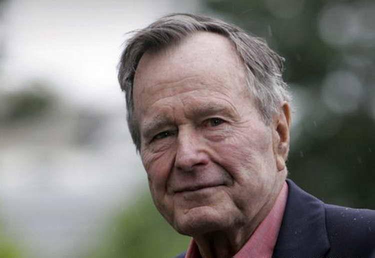 Почина Џорџ Буш постариот