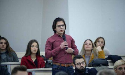 Jавна дискусија за нацрт амандманите за уставните измени на Универзитетот на ЈИЕ во Тетово