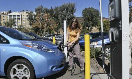 Калифорнија ќе забрани продажба на не-електрични возила во 2040 година