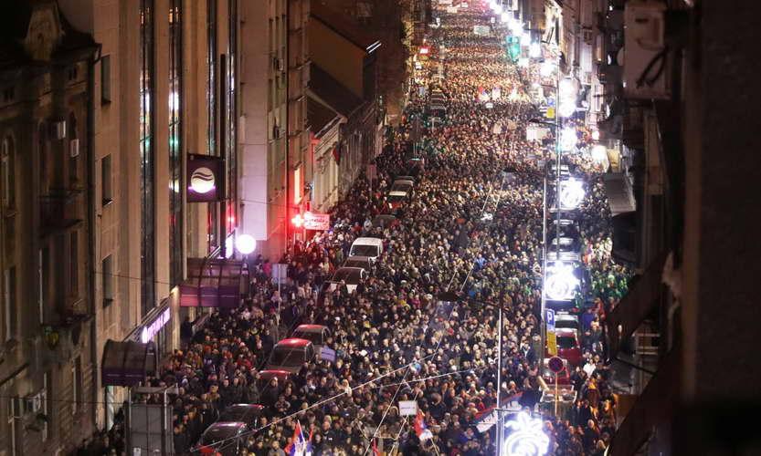 Четврта недела протести во Белград против Вучиќ и неговата партија