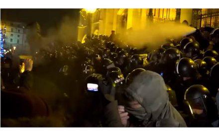 Во Будимпешта судири меѓу антивладини демонстранти и полицијата