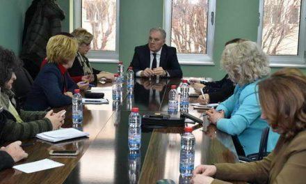 Работен состанок на градоначалникот Јованоски со директорите на основните училишта