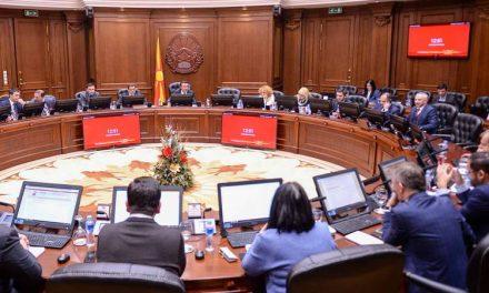Одржана првата владина седница со превод од и на албански