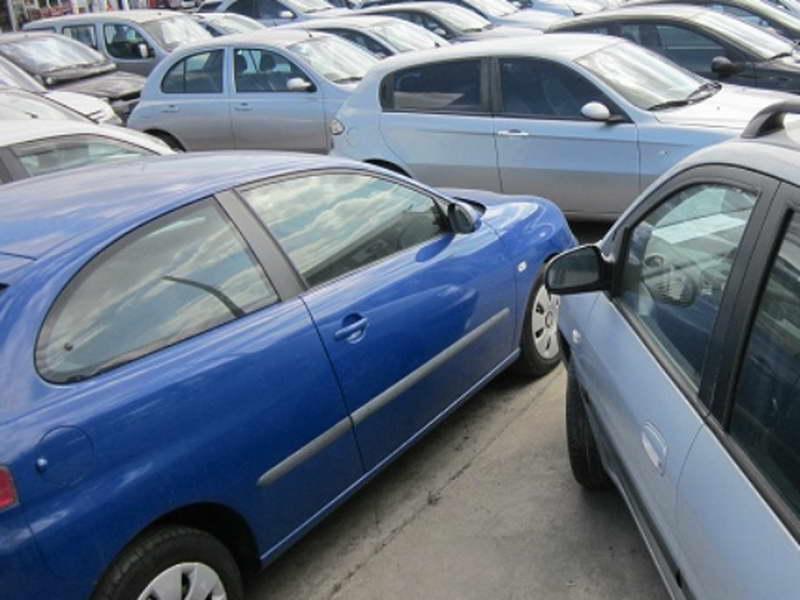 Грците и Македонците им ги поскапеа старите автомобили на Бугарите