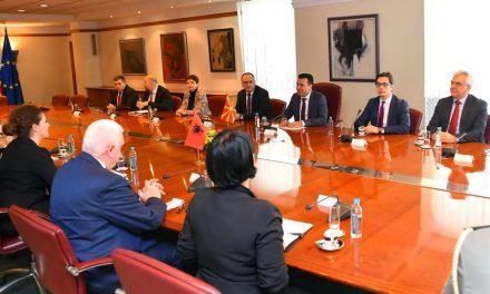 Средба Заев-Џачка: Одговорното лидерство и Договорот од Преспа се придобивка и на регионот