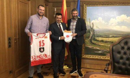 Средба на премиерот Заев со претставници на Одбојкарската федерација на Република Македонија