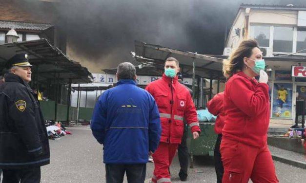 Изгоре пазарот во Тузла, над 20 повредени
