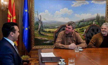 Премиерот Заев на средбата со претставници на Асоцијацијата на легални такси превозници