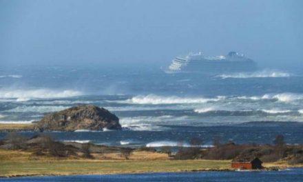 Спасени сите 1.300 патници во бродската несреќа крај брегот на Норвешка