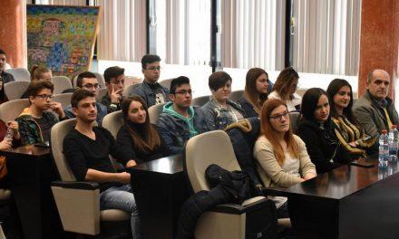Општина Прилеп и Коалицијата СЕГА ја подготвуваат Годишната програма за млади
