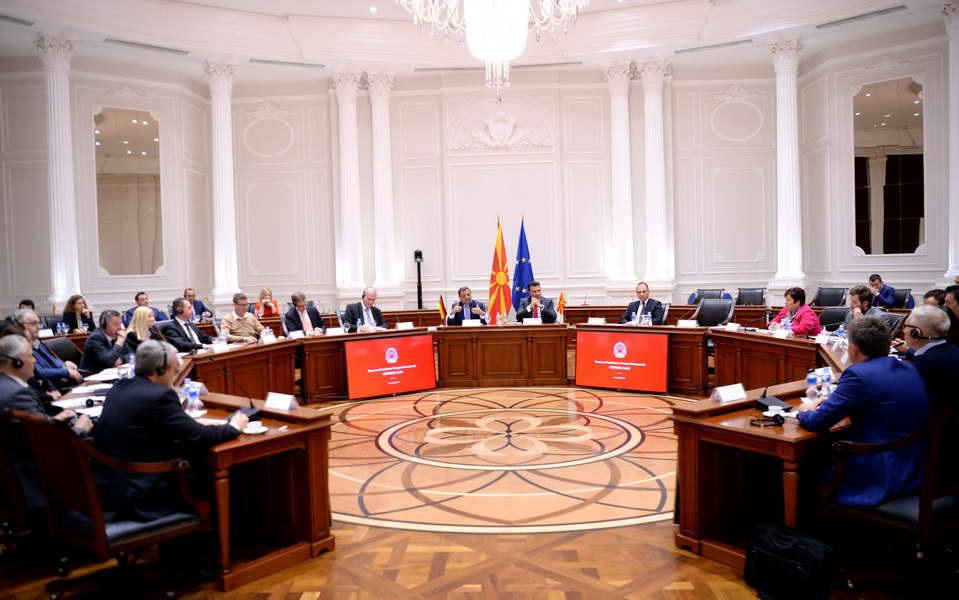 Премиерот Заев и вицепремиерот Анѓушев на средба со делегација на германското стопанство и германски компании