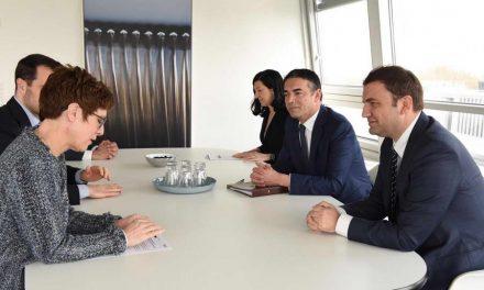 Османи и Димитров на средба со Крамп Каренбауер во рамките на работна посета на Сојузна Република Германија