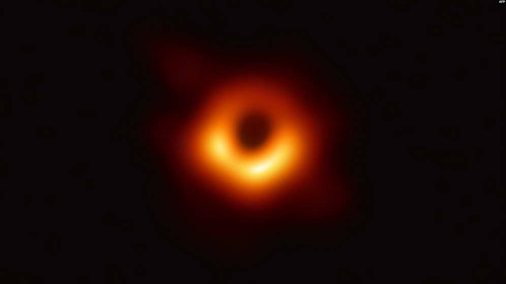 Црна дупка како од филмовите или Ајнштајн бил во право?